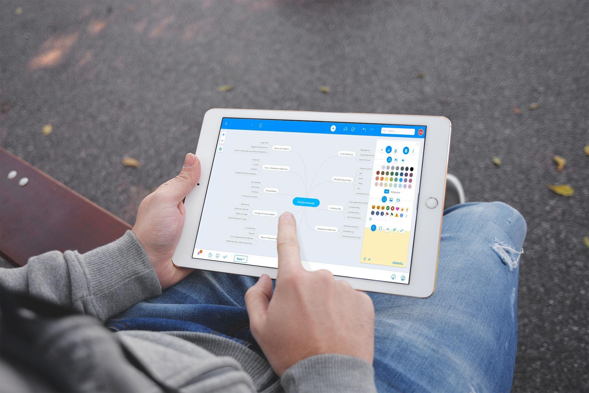 auf einem Tablet wird ein Mindmap mit Mindmeister erstellt