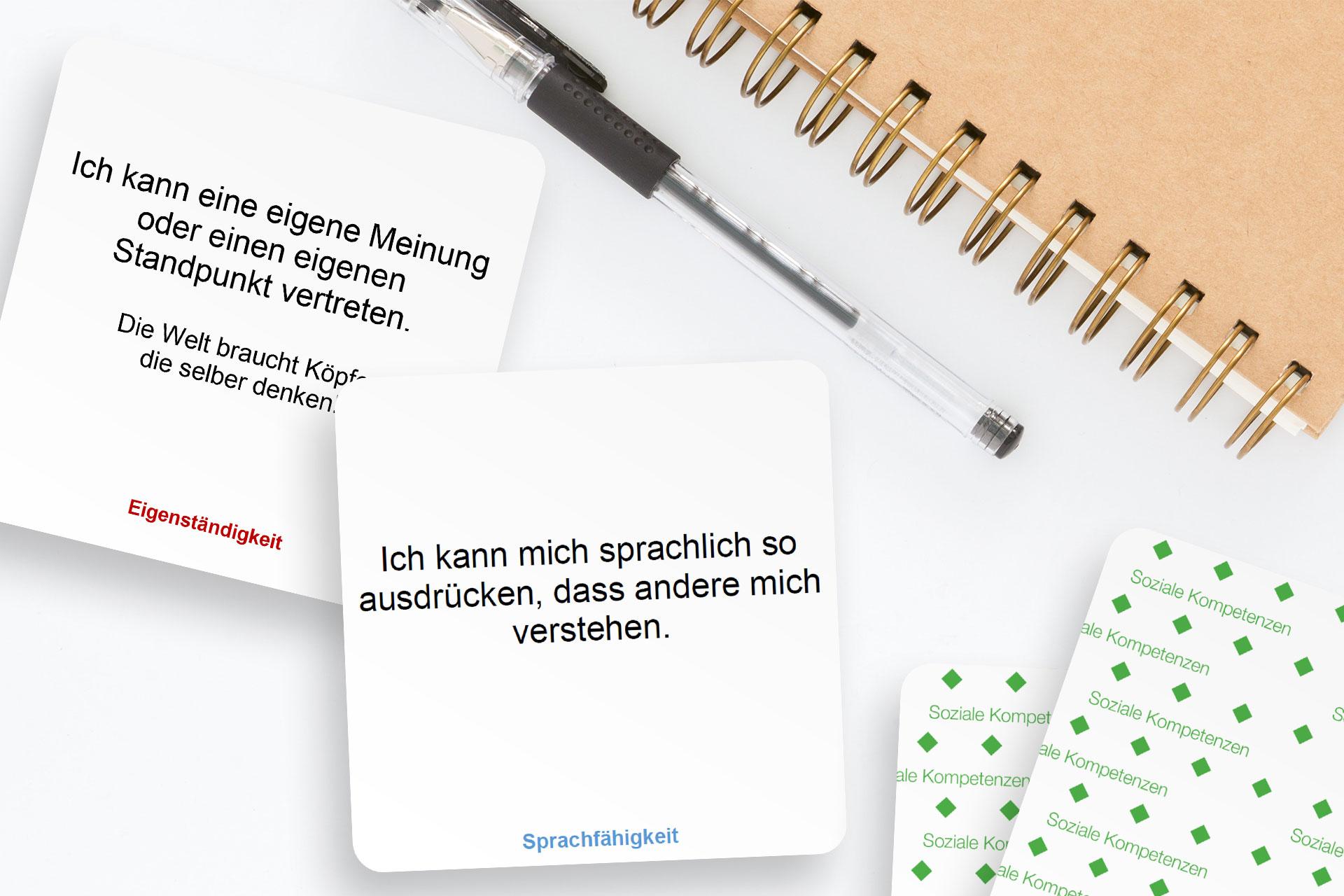 zwei Karten aus dem Kartensetz Überfachliche Kompetenzen