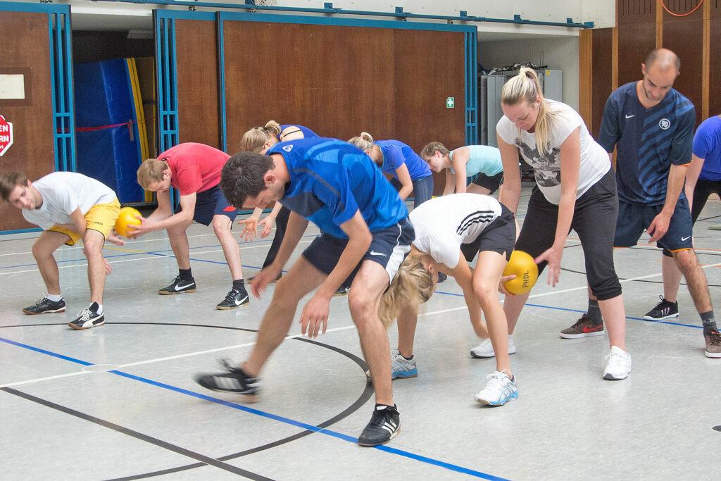 Den Ball weitergeben: Sportlehpersonen als Ressourcen