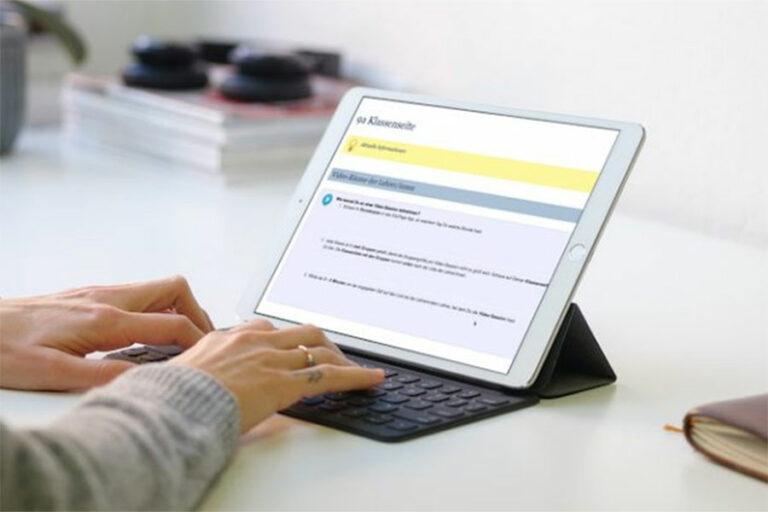 Tablet mit einer Klassenseite des Neuenburger Kreisgymnasium